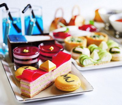 We would love to see your photos or video on @Peter Doherty @Twitter @Instagram or @Iris Beverly - just add #HighTeaSociety so we can share with the High Tea Society community. This photo is from the Marc Jacobs inspired afternoon tea at The Landmark Mandarin Oriental, Hong Kong.
