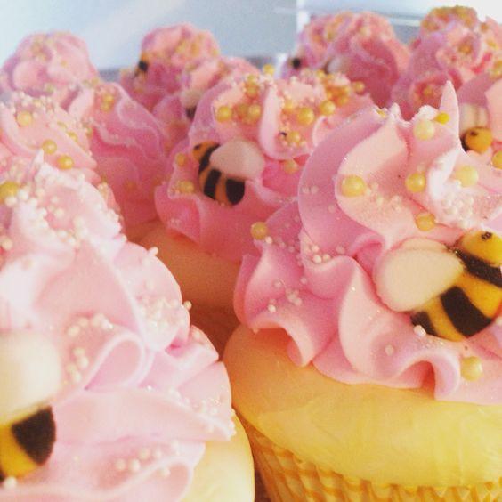 Honey Pear Coconut! #feelingsmitten #honey #pear #coconut #summer #cupcakebathbomb #pink #yellow #honeybee #fun #sprinkles