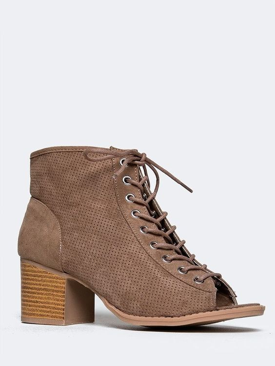 NEW QUPID Women Perforated Laced Peeptoe Stack Heel Ankle Booties Beige sz Taupe…