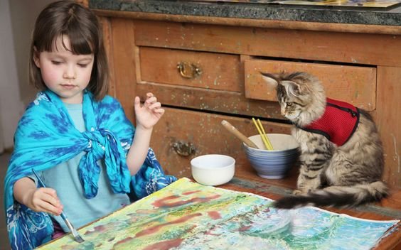 Iris Grace (5) is autistic and never smiled. Until she met Maine Coon Thula...