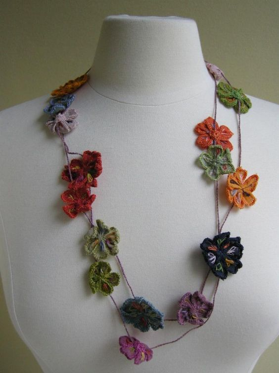 Sophie Dugard, Juliette necklace of embroidered and crocheted blossoms: