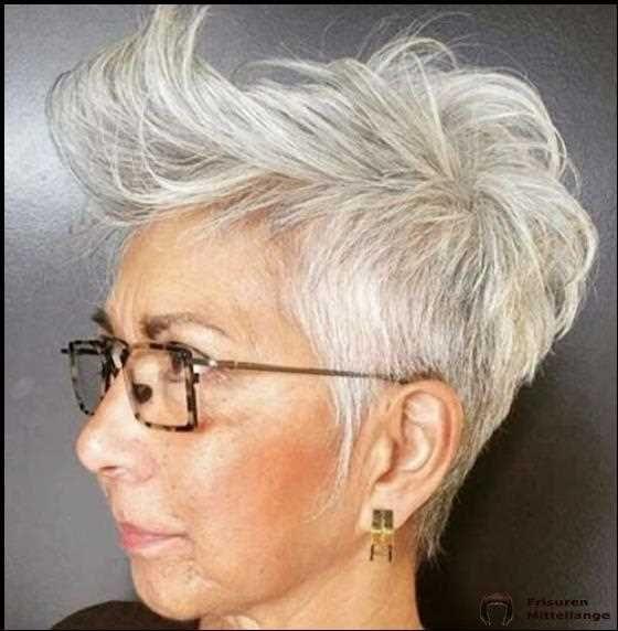 Kurzhaarfrisuren Fur Altere Frauen Mit Dunnem Haar 2019 2020 In 2020 Kurz Feines Haar Haarschnitt Kurz Frisuren Kurz