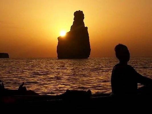 Ibiza en kayak bajo la luna llena