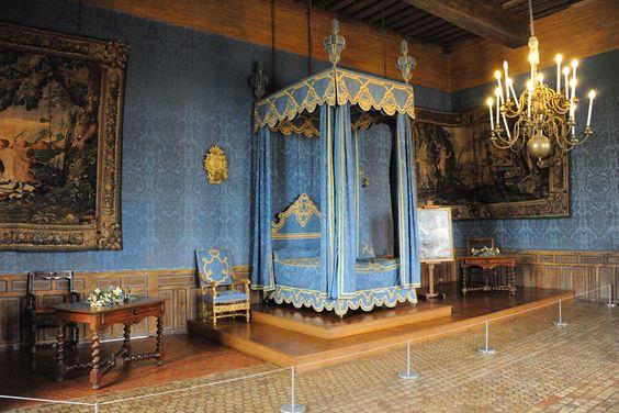 Chambre du seigneur au moyen age ch teau de sully - Decoration moyen age ...