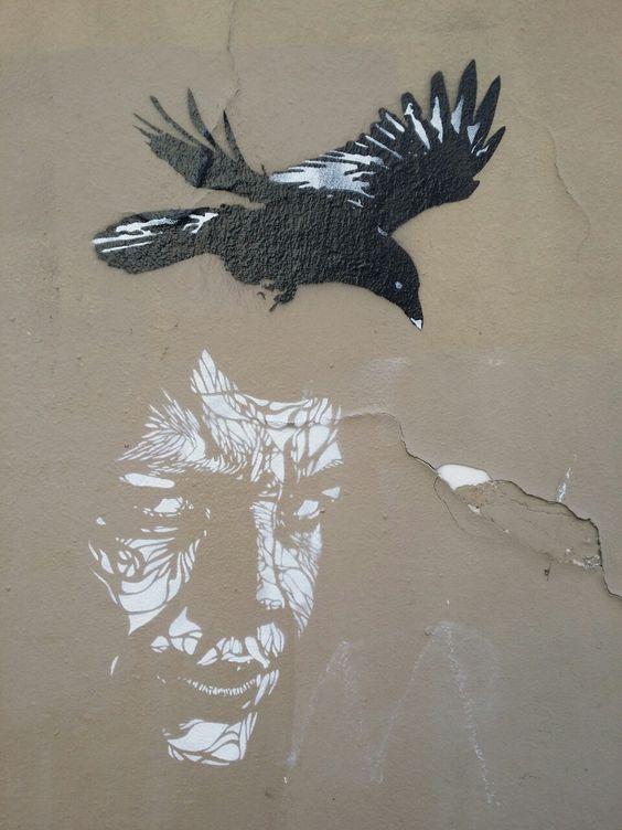 Stencil painting in Paris 13th district.  Pochoirs dans le 13ème arrondissement de Paris.