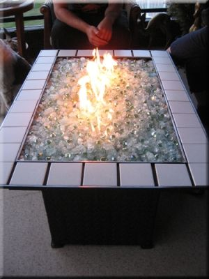 Lots of ideas for DIY propane fire pits - our back yard is crying for this... @Joshua Hartzog