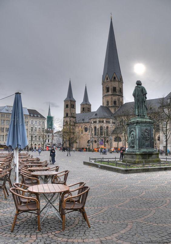 Münsterplatz, Bonn, Nordrhein-Westfalen,  Germany