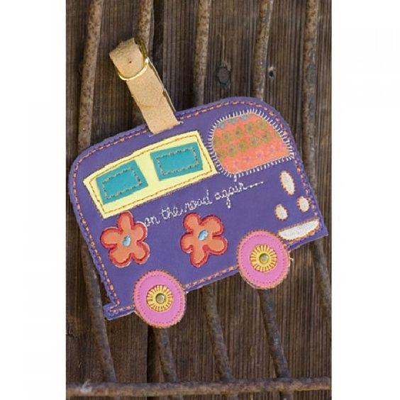 """Sua mala mais linda ainda com este Tag para Malas """"on the road again..."""" ZooLógico Presentes"""