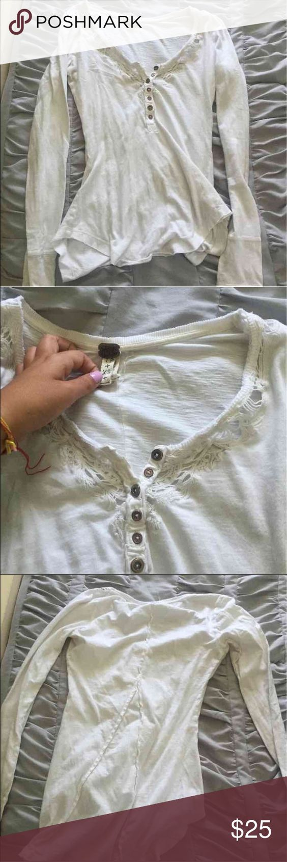 White Free People long sleeve This long sleeve is adorable for winter!! Size extra small! Free People Tops Tees - Long Sleeve