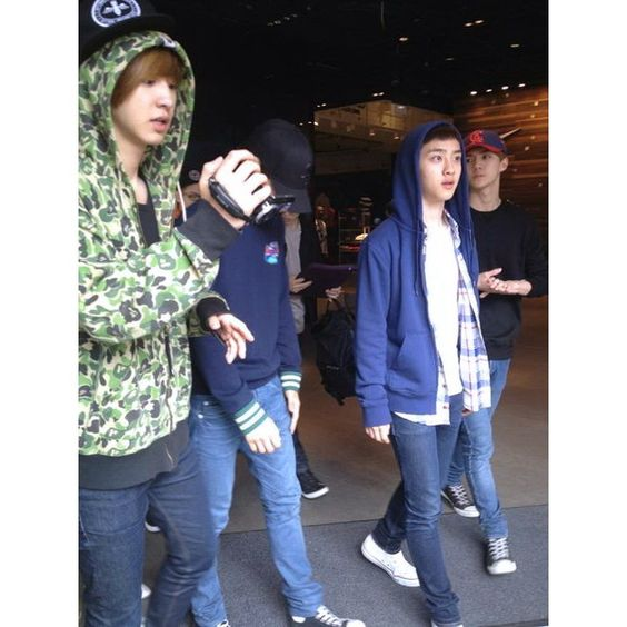 EXO-K in London [Credit/Thanks to the Owner] ❤ liked on Polyvore featuring jewelry and star jewelry