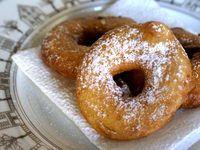 Beignets de pommes - Recette des beignets de pommes (beignets de carnaval)