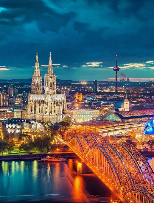 Kann man gar nicht oft genug pinnen: Der Kölner Dom + Hohenzollernbrücke - Cologne, Germany