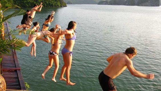 一日:世界遺産ハロン湾クルーズ観光、昼食:船上シーフード http://www.toursystem.biz/tours/edit/27