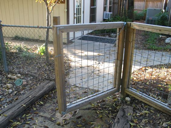 Hog Wire Fence Gate Garden Pinterest Wire Fence And