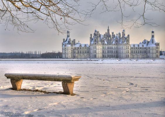 Photo : Chambord sous la neige,  France, Paysages, Monuments, Météo, Châteaux, Neiges, Chambord. Toutes les photos de Jacques LIGOUY sur L'Internaute