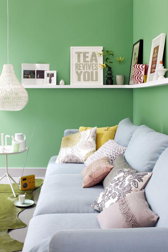Mooie kussens en een kleurtje op de muur - Woonkamer - Zithoek ...