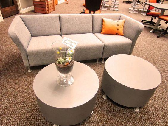 Gostei do sofa modular pras areas internas de descompressao (da pra mudar a disposicao ou deixar pra um cara dormir)