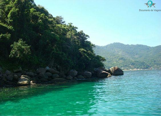 Ilha Grande é um dos destinos mais populares no Brasil. É considerado um dos melhores lugares para mergulho, devido a águas calmas e transparentes | Ilha Grande is one of the most popular island destinations in Brazil. It is considered one of the best places to scuba dive, due to it's calm and transparent waters | Blog documentodeviagem.com