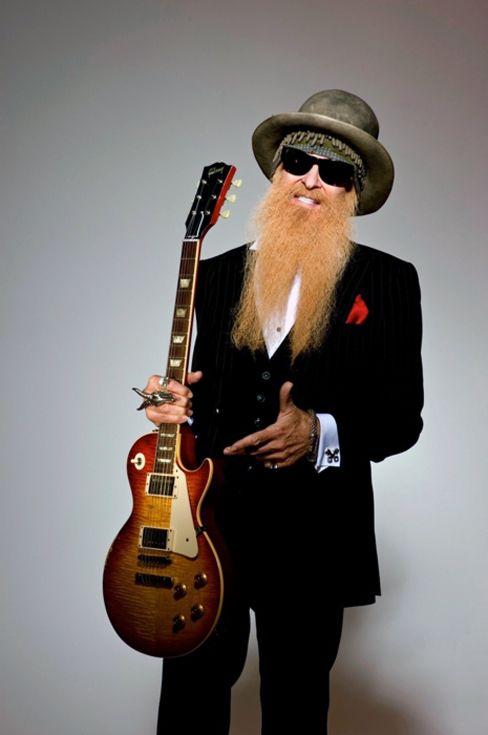 """Уилям Фредерик """"Били"""" Гибънс е американски музикант, актьор и кола за персонализиране, известен най-вече като китарист на Texas блус-рок група на ZZ Top.  Той е и вокалист и композитор на много от песните на групата .:"""