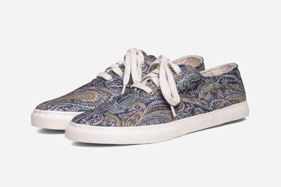 2776b__buyers-guide-cotton-canvas-low-top-sneakers-ymc-paisley-sneakers.jpg (800×533)