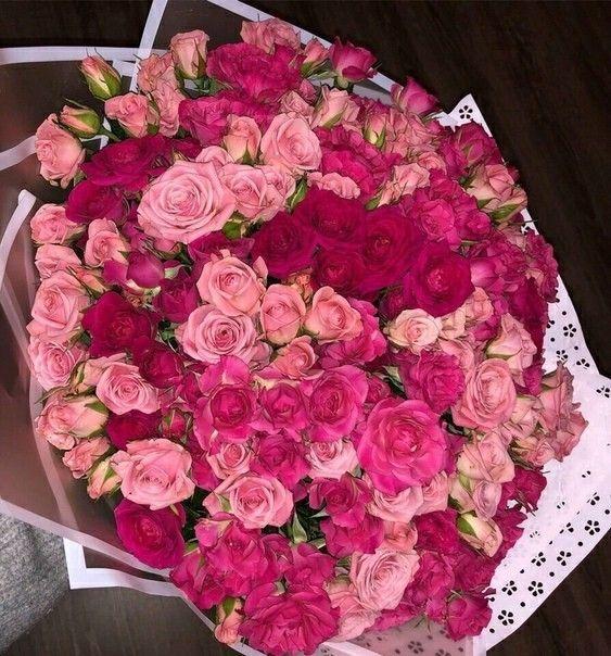 Pin By D Mpourrr On Rose Bouquet In 2020 Love Rose Flower Flowers Online Luxury Flowers