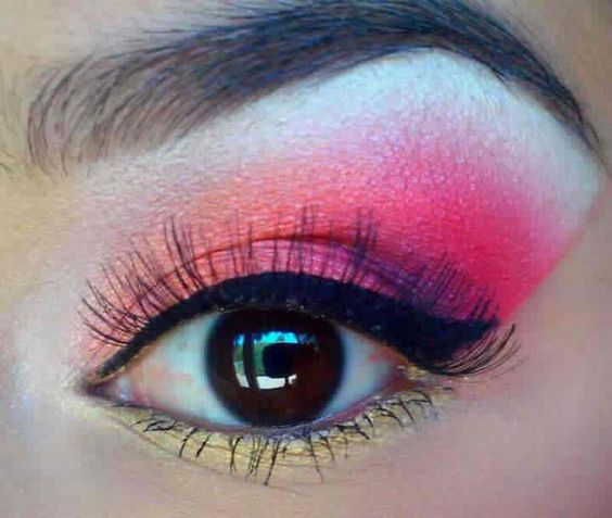 Pink, White, and Gold. Good colors from brown eyes.