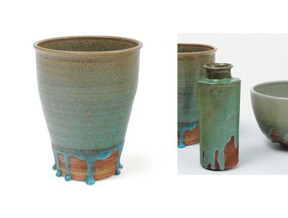 Gertrud Vasegaard Vase en céramique émaillée vert et terre chamottée.Signé.Danemark,