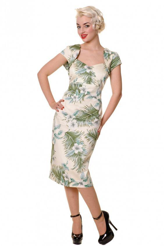 vintage hibiscus dress... <3