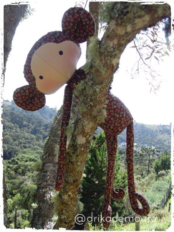 Gil - Macaquinho Floral - Ateliê Arte Positiva - @drikademoura