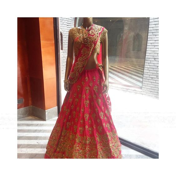 Rise to the occasion Drop in to #CarmaMehrauli to browse through jaw-dropping, show-stopping, over-the-top lehengas worthy of a #redcarpet by Pallavi Jaikishan #carma #shopitatcarma #pallavijaikishan #festivefashion #lehenga #bridalfashion #needitnow #musthave #bridestobe #indianbrides #wedding #wedmegood #loveit #shopnow #delhi #qutab #shaadi #bridesmaids #couture #designer #luxury #instastyle #red #weheartit #instafollow #instadaily #pursuepretty