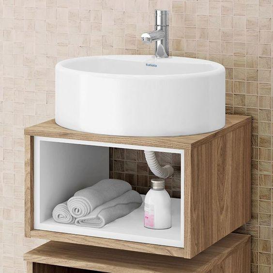 Em lavabos e banheiros pequenos os gabinetes em formato de nichos são boas op -> Banheiro Pequeno Gabinete