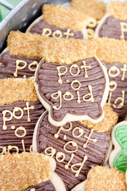 Pin for Later: Finding the Pot o' Gold: A St. Patrick's Day Party Filled With Treats For All Pot o' Gold Cookies