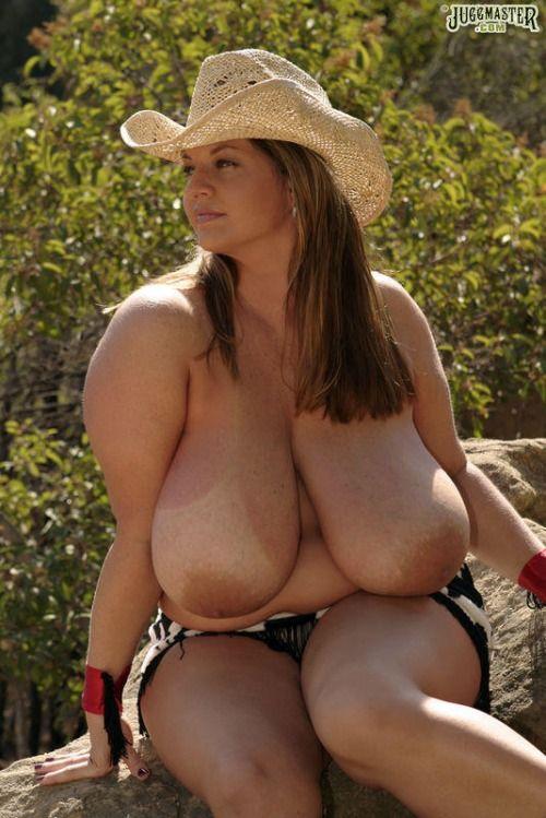 Big boob naked sexy skinny woman