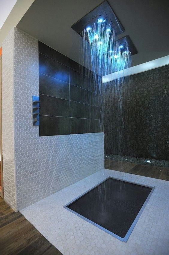Sensationelle Hi-Tech Acryl Badewanne mit LED Einbauleuchten ...