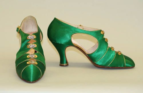 Simply gorgeous late-1920s evening shoes by Bob, Inc., a company which quite possibly has the greatest name in history.