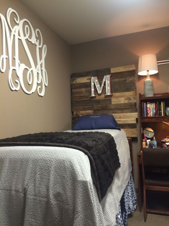 Love This Dorm Room Decor The Diy Heaboard And The Monogram Wall Decal Check Check Decal D Dorm Room Decor College Apartment Decor Unique Dorm Room