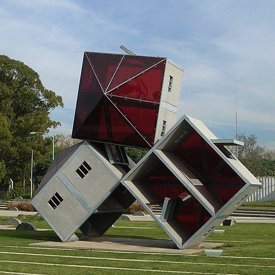 Dennis Oppenheim - Monument to escape