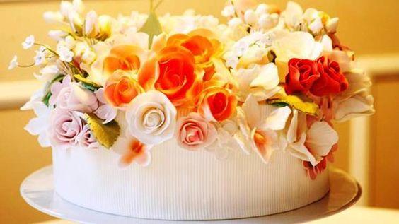 Bolos Decorados com Flores fotos