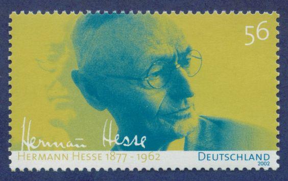 In seiner Ruhelosigkeit durchlebte Hesse drei Ehen, zog immer wieder um und quälte sich sein Leben lang mit Suizidgedanken. Erst im letzten Drittel seines Lebens fand er im Schweizer Tessin zur Ruhe.