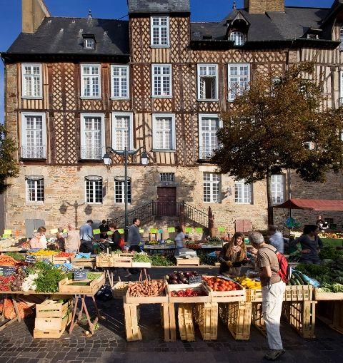 Visuel balade gourmande au Marché des Lices 2012 -  Clément Guillaume