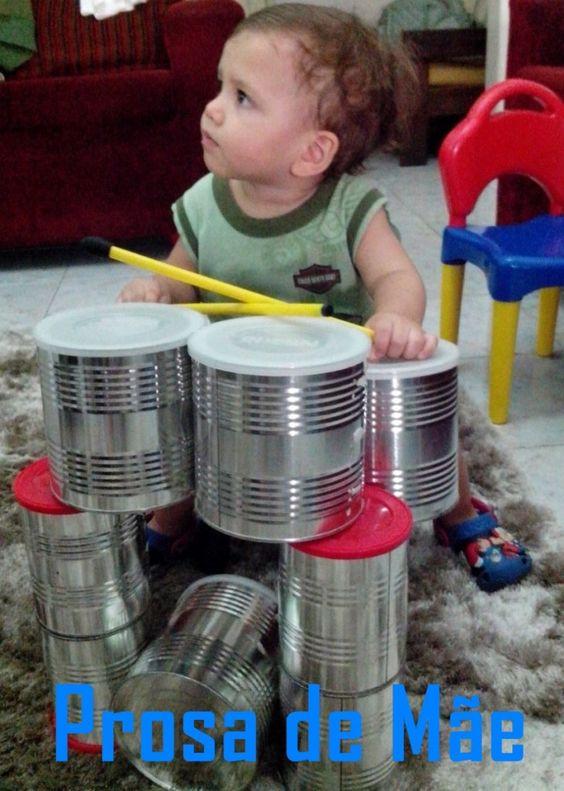 Brinquedos infantis com latas