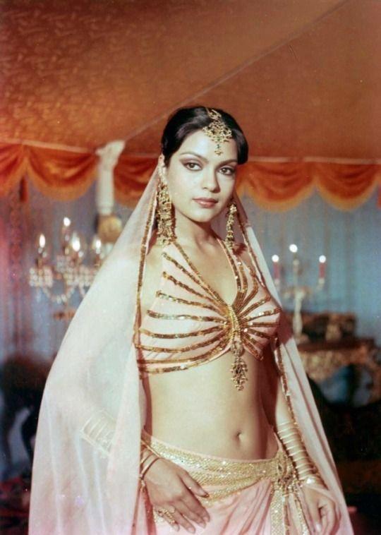 zeenat aman | Indian bollywood actress, Bollywood actress hot photos, Vintage bollywood