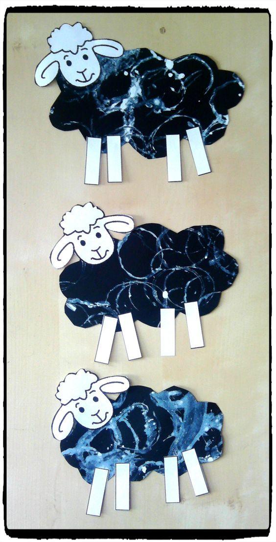 bricolage mouton animaux de la ferme peinture empreinte de rouleaux de papier toilette. Black Bedroom Furniture Sets. Home Design Ideas