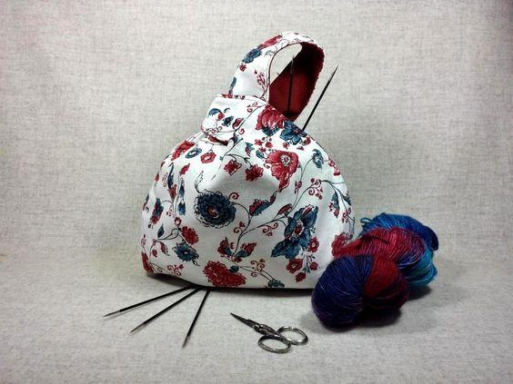 Projekttasche, chinesische Blumen, blau rot weiß, Wendetasche, Stricken, Häkeln, Handtasche von frostpfoetchen auf Etsy