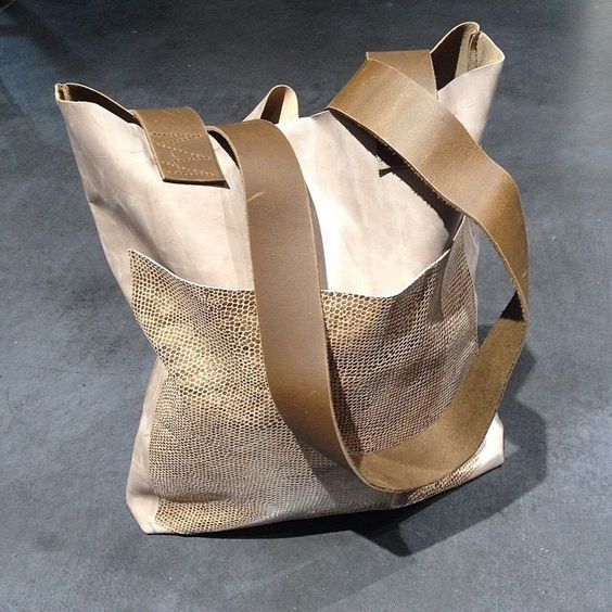 Leather shopper with outside pocket by IHAY