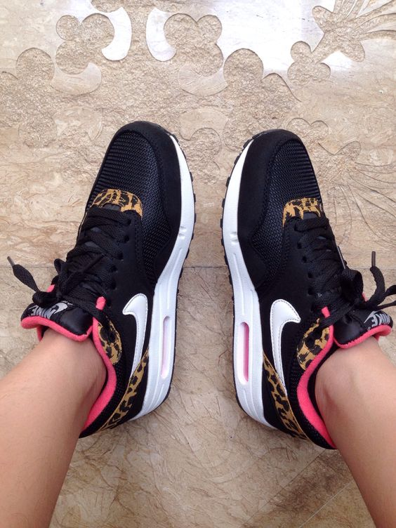 So Cheap!! I'm gonna love this site! Nike shoes outlet discount site!!Check it…