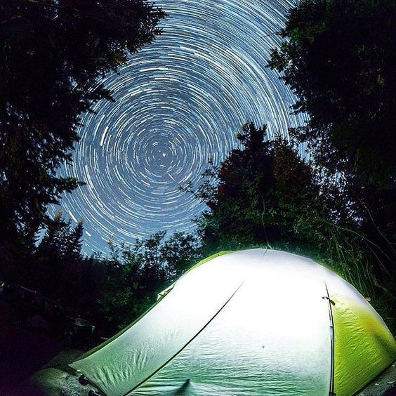A clear starry night on St. Helens #pnw #outdoorproject #sthelens #stars #mthardwear #snowwaterland  @djaffe