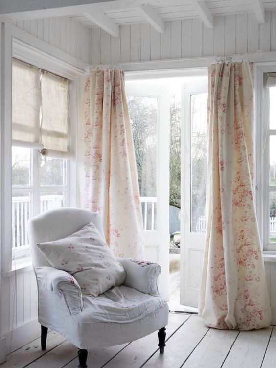 Shabby chic & cozy room
