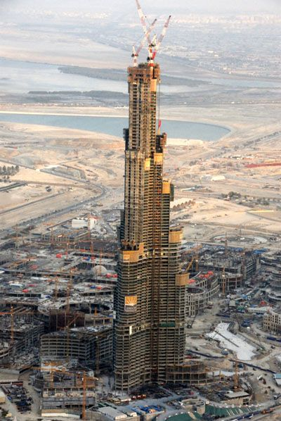 Burj Khalifa under construction in January 2007