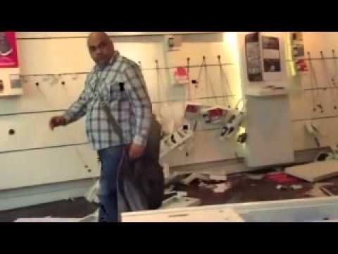 Man Goes Crazy in T-Mobile Store and Destroys It
